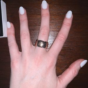 CHANEL  COCO CRUSH RING BEIGE GOLD